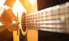 Испанцы изобрели шестиструнную гитару и до совершенства довели игру на ней. Фото: De Visu. Источник: bigstockphoto.com. Иллюстрация к статье «20 интересных фактов об Испании» в блоге Олега Халимова об Испании (www.oleghalimov.ru).